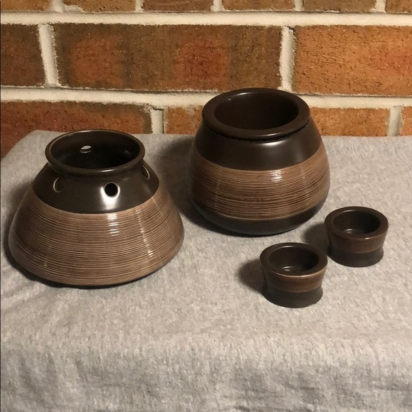 EUC Waxcessories Candle and Tea Light Holder Set